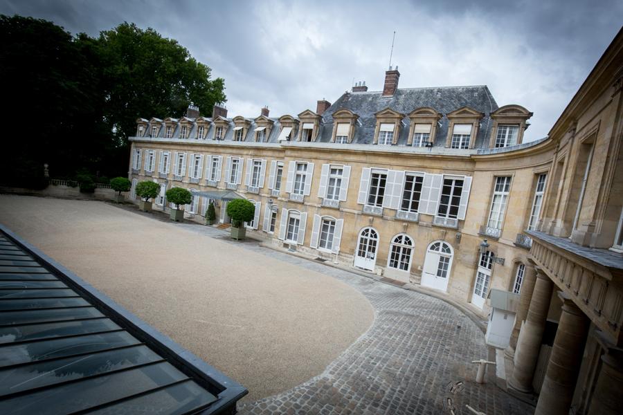 La cour du Petit Luxembourg, résidence du Président du Sénat